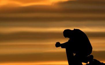 انقطاع الرجاء من رحمة الله واستبعاد
