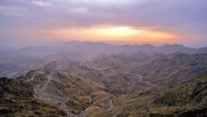 سميت جبال الحجاز بهذا الاسم لأنها تحجز بين هضبة نجد وسهول تهامة