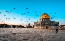 بنى الخليفة عبدالملك بن مروان مسجد قبة الصخرة في فلسطين
